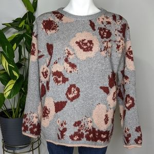 5/$25 Knox Rose grey floral sweater size L